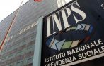 Tempo di tagli anche per l'Inps, che ha annunciato...