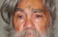 Charles Manson è morto: la storia dell'assassino più folle d'America