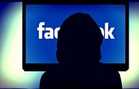Come usare Facebook senza essere visti, i consigli per navigare