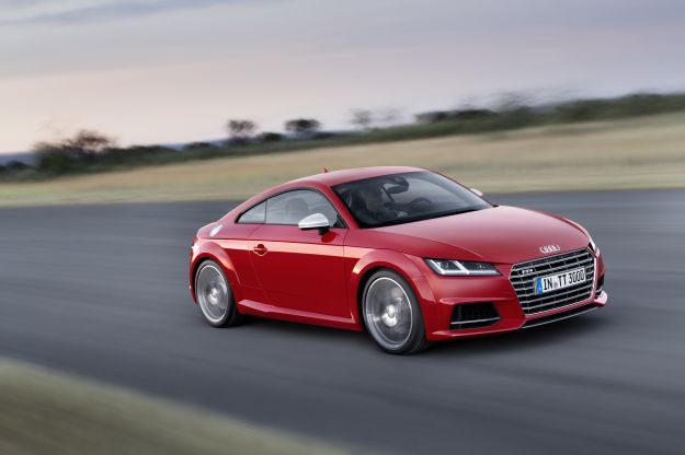 2016 Audi TTS front three quarters in motion 03