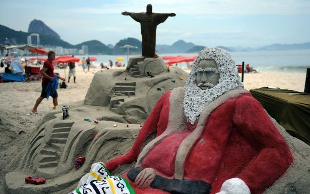 BRAZIL SAND SCULPTURE CHRISTMAS