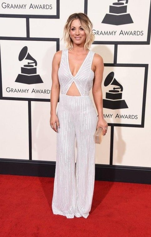 kaley cuoco grammy 2016