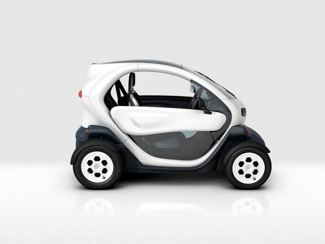 Renault Twizy: citycar a batterie anche per i teenager