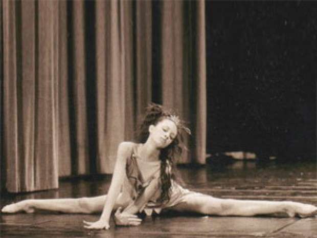 Deborah Lettieri, ballerina al Crazy Horse (7)