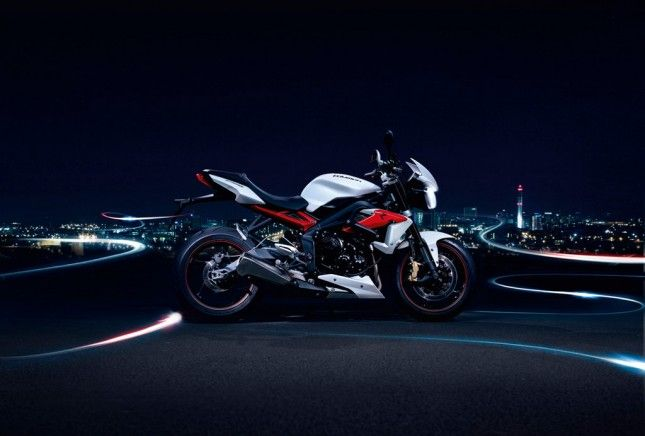Triumph Street Triple R 2013 Night 1
