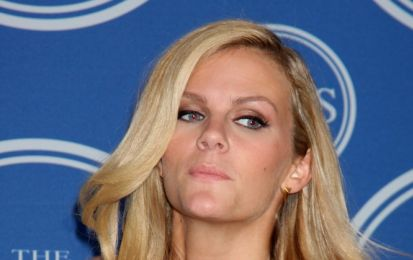 Sports Illustrated, Brooklyn Decker apre il calendario 2012: foto e video