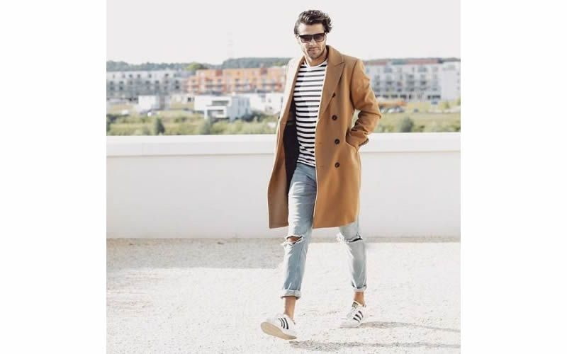 outfit cappotto beige uomo