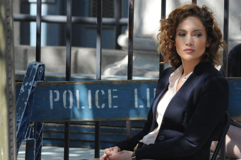 Jennifer Lopez poliziotta per la serie TV Shades of Blue