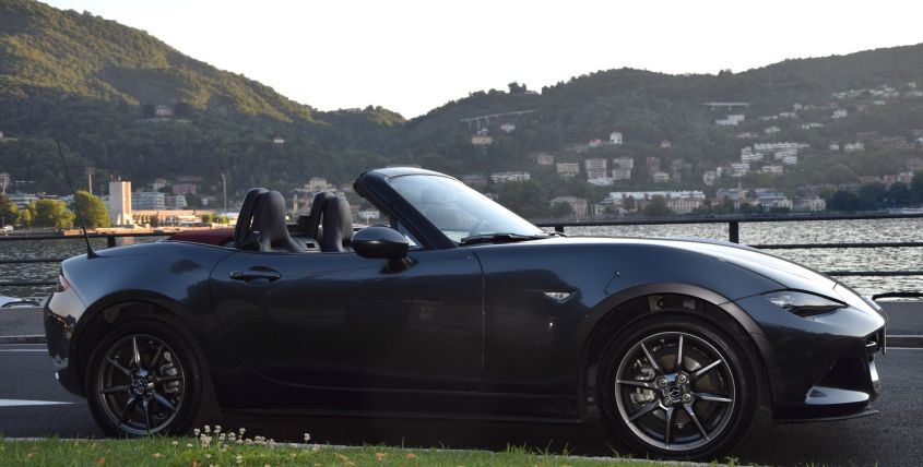 Mazda MX 5 Cherry Edition (2) (Large)