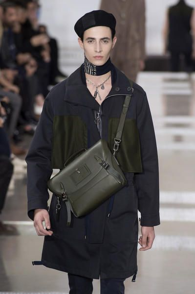 Outfit uomo inverno 2018 tracolla louis vuitton