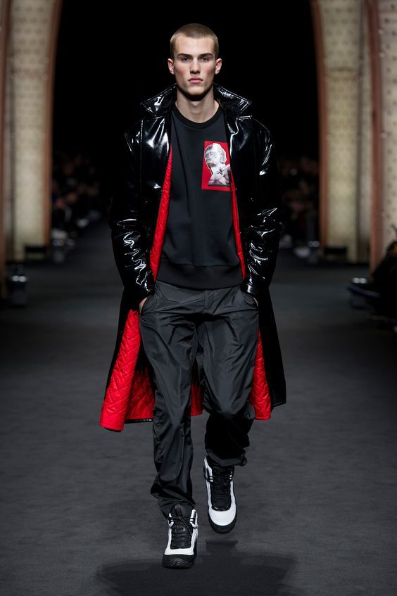 Outfit uomo inverno 2018 versace sporty