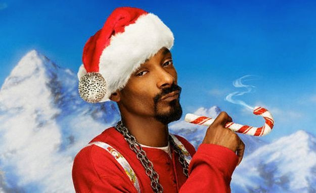 Snoop Dogg con Santa Claus Goes Straight to the Ghetto (1996)