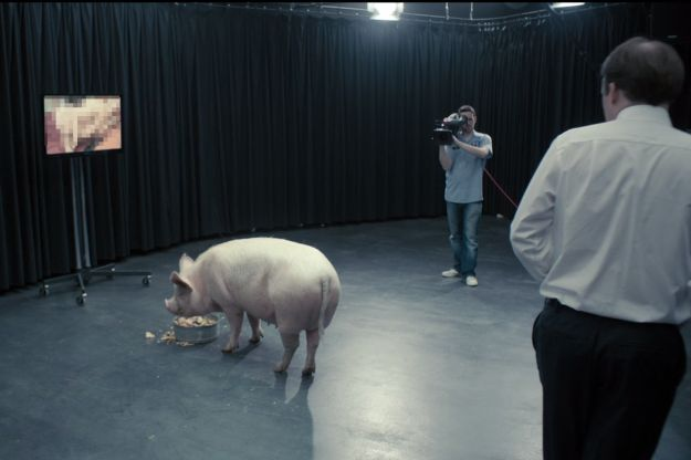 black mirror scena scrofa