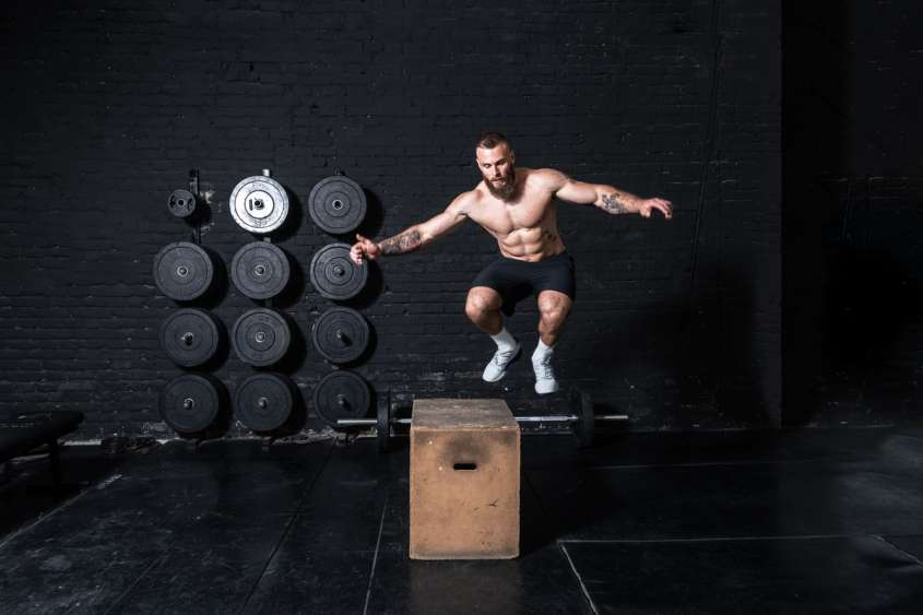 crossfit fitness salto_ aterale