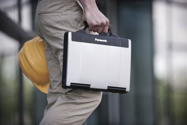 Panasonic Toughbook CF-53, specifiche del pc semi-rugged per il lavoro intenso