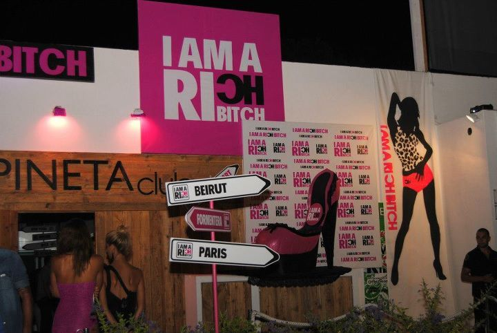 I Am a Rich Bitch: il pink party più cool torna al Divina di Milano