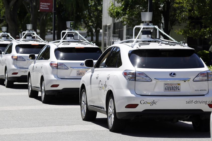 Google Car: già 11 incidenti ma zero responsabilità
