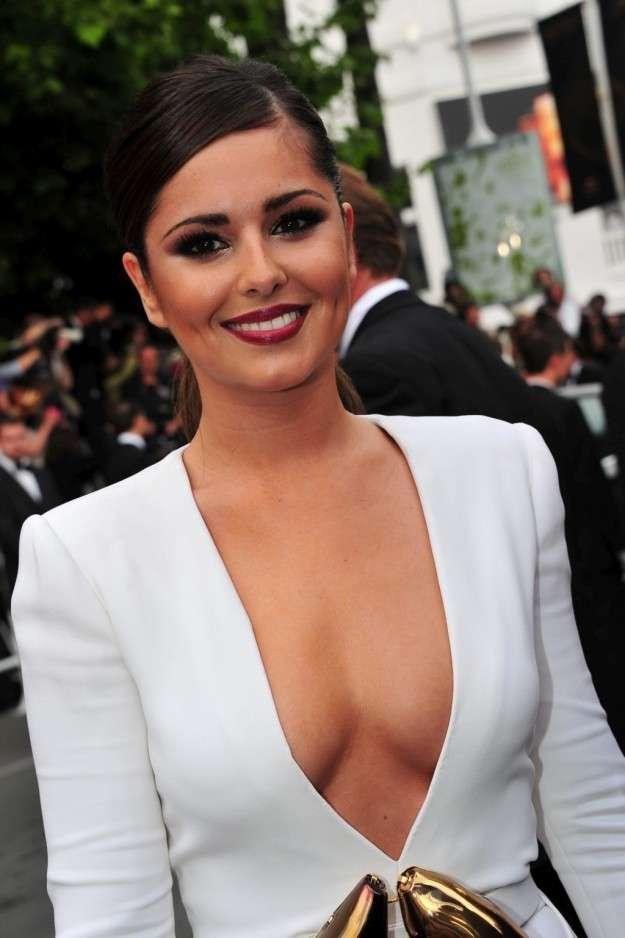 Cheryl Cole sexy sul red carpet di Cannes