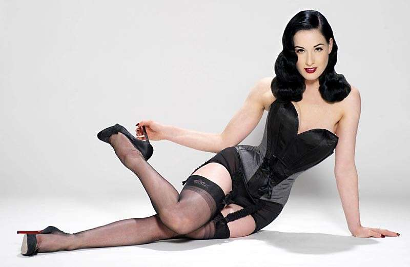 Dita Von Teese in intimo