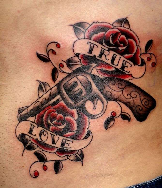 True Love, tatuaggio maschile old school