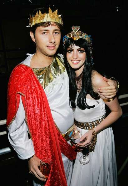 Anne Hathaway costume Cleopatra