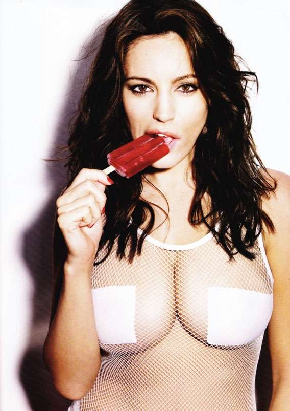 Kelly Brook senza veli