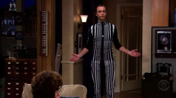 Sheldon di The Big Bang Theory in costume Effetto Doppler