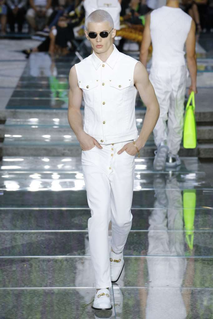 Completo bianco Versace
