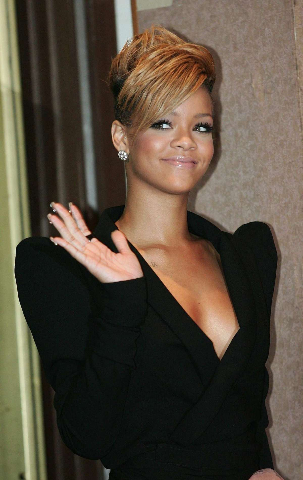 press conference for her new album Rated R - Seoul - 2010